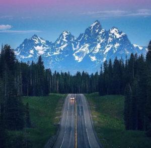 عبور الخط المتواصل – حدود الطريق