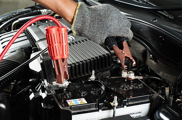 نصائح لحماية بطارية السيارة ومنتج يجب ان يكون ضمن كل سيارة