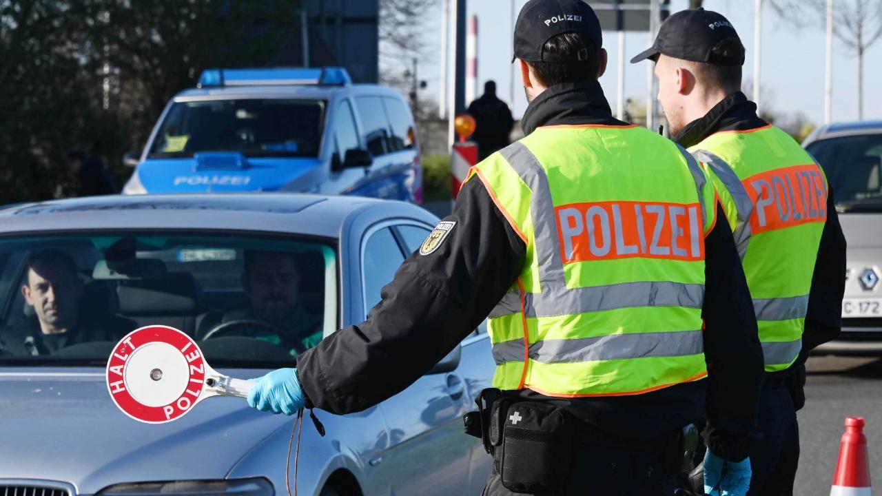 تمديد تحذير السفر وضوابط الحدود في ألمانيا ولمن الاستثناءات
