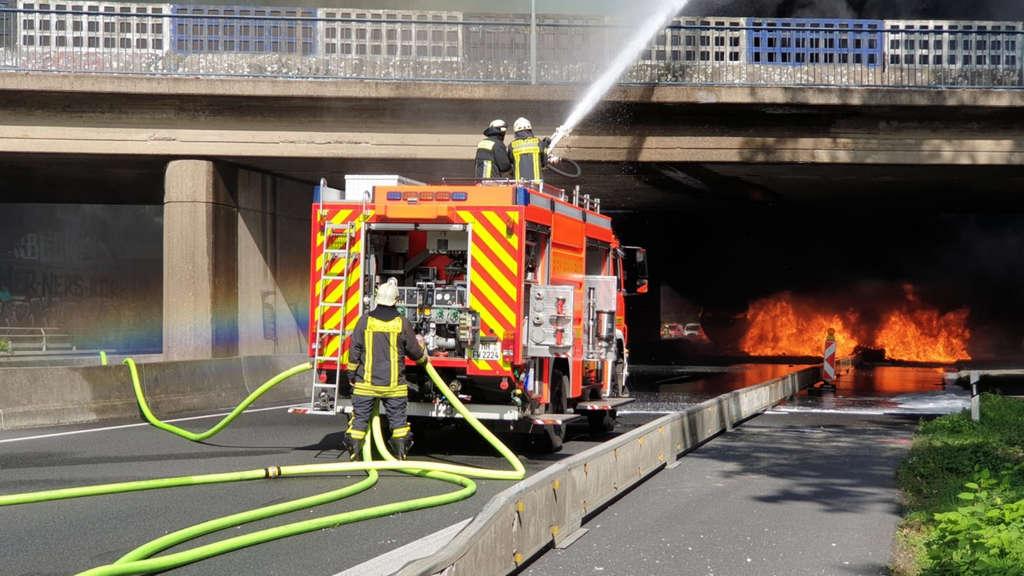 إغلاق الطريق السريع A40 لعدة أيام بعد حادث احتراق الشاحنة