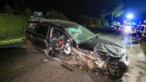 اصطدام سيارة بباص تسبب بموت فتاة