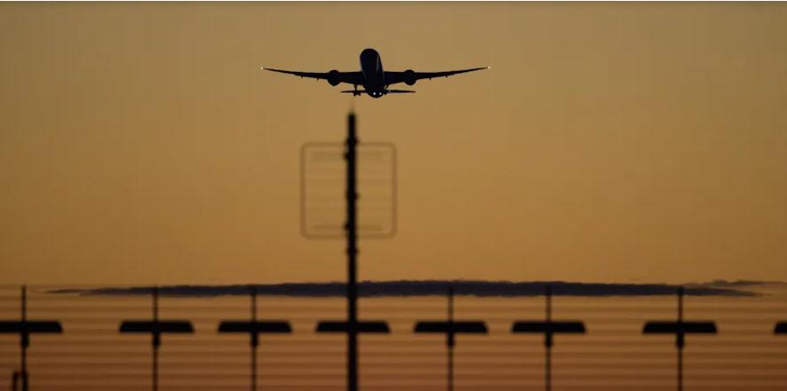 عزل بريطانيا العظمى وفوضى في المطارات الألمانية
