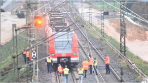 فرانكفورت- توقف قطار S-Bahn 6 على الجسر