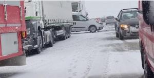 فوضى الثلج وسائقو الشبح على A72