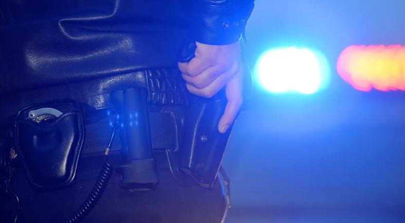 مطاردة كالأفلام بين الشرطة وسيارة دفع رباعي