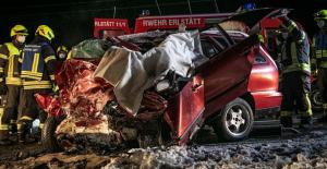 وفاة شاب (22عام) في حادث تحطم أمامي