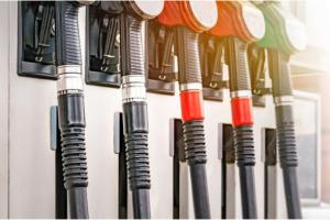 ماذا أفعل إذا ملأت خزان سيارتي بالخطأ وقود لا يناسبها ؟؟