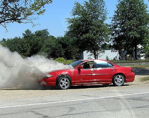 احتراق السيارات : الأسباب والتصرف الصحيح ومساهمة التأمين