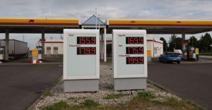 ارتفاع أسعار الوقود وتوقعات أن يصل سعر لتر البنزين إلى 2يورو