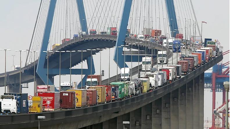هامبورغ –ازدحام مروري طويل على جسر كولبراند