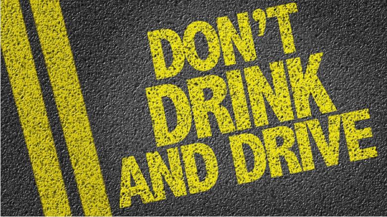 برلمان الاتحاد الأوروبي يدعو إلى حظر الكحول نهائياً أثناء القيادة