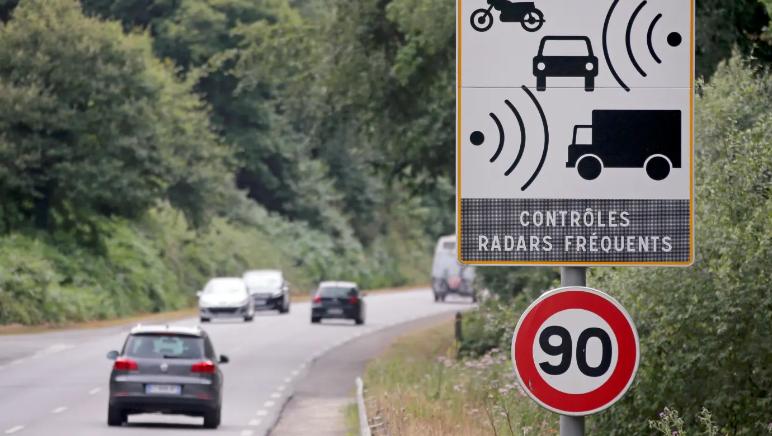فرنسا: مراقبة حركة المرور بكاميرات مثبته على سيارات لشركات خاصة