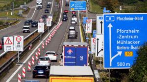 بدء أعمال توسيع الطريق السريع A8